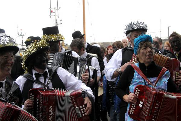 Padstow - Mummers day